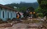 Moradores da cidade fotografaram os estragos causados pela chuva da última noite