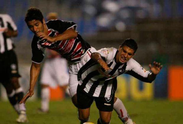 Santa Cruz (2006): Outro tradicional time do Recife também somou apenas dez pontos no segundo turno. No critério de desempate, foi melhor que o primeiro turno do Náutico em 2013.