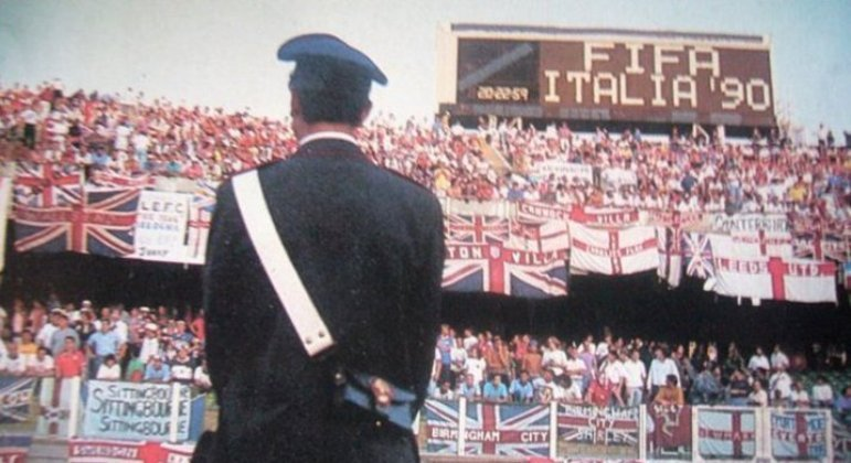 O Sant'Elia na tarde de Inglaterra 0 X 0 Holanda, na Copa de 90