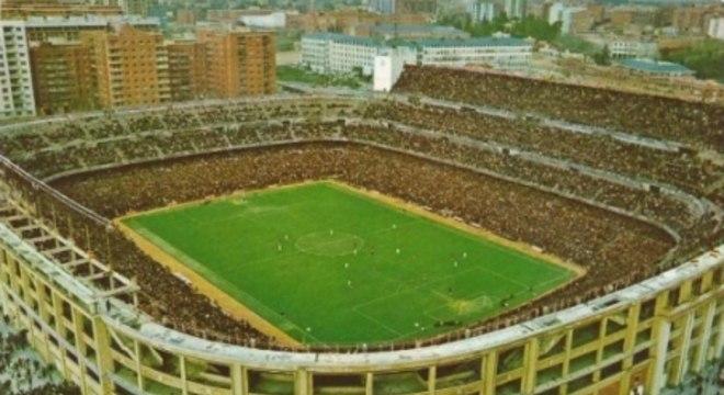 Estádio Santiago Bernabéu em 1969