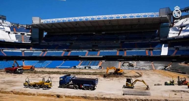 Santiago Bernabéu: Real Madrid - Capacidade: 81.844 - Previsão de entrega: 2023 - Atualmente o clube atua no próprio Santiago Bernabéu, porém uma obra para a troca da cobertura e de toda a área externa.