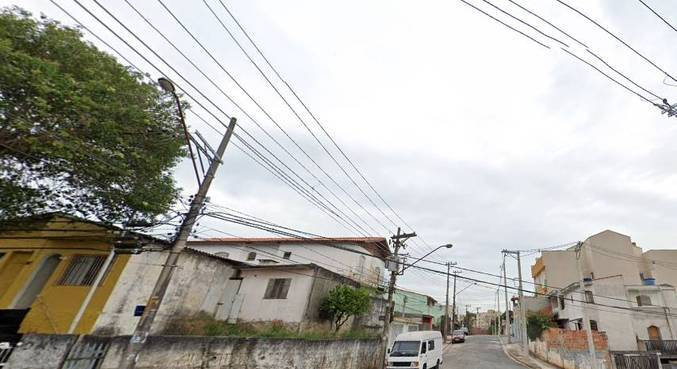 Mulher foi encontrada morta na rua Lucélia, em Santo André (SP)