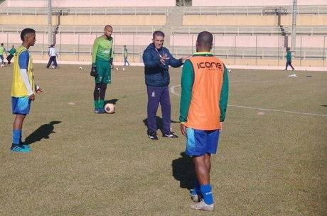 Paulo  Roberto remontou Santo André para volta