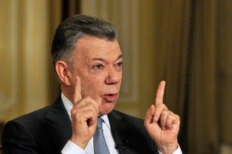 Santos diz que vai se afastar da política