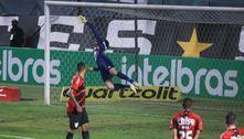 Athletico-PR elimina o Santos e está na semifinal da Copa do Brasil