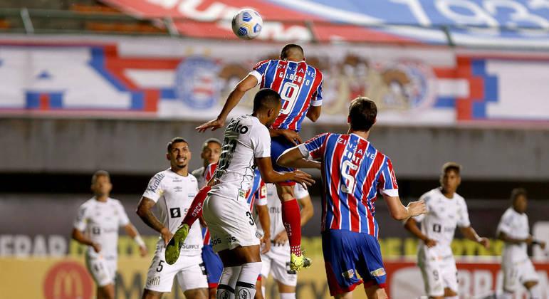 Bahia faz três gols em oito minutos e passa por cima do Santos em Pituaçu