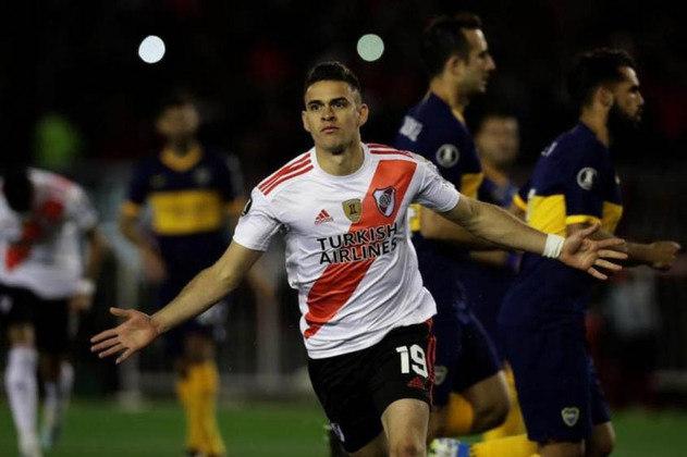Santos Borré (atacante - 25 anos - colombiano) - Fim de contrato com o River Plate-ARG - Valor de mercado: 17 milhões de euros