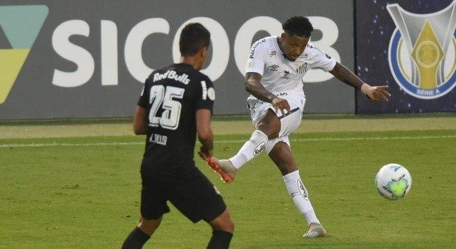 Na estreia de Cuca, Santos cedeu empate ao Bragantino já no final do jogo