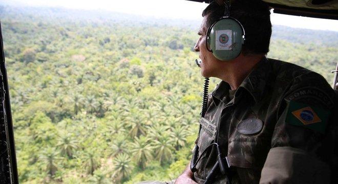 Santos Cruz comandou mais de 23 mil capacetes azuis da ONU no Congo