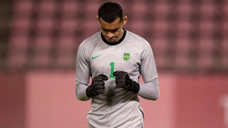 SANTOS - Goleiro na Olimpíada, foi decisivo na campanha (inclusive pegando pênalti na semifinal). O jogador de 31 anos já havia recebido oportunidades com Tite anteriormente.