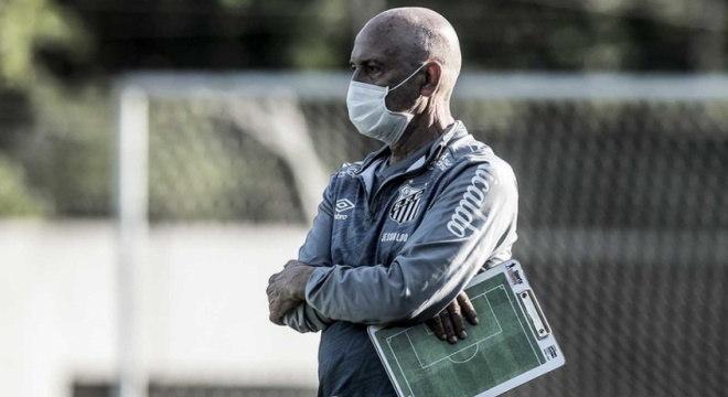 Jesualdo Ferreira comandou o Santos em apenas 15 jogos