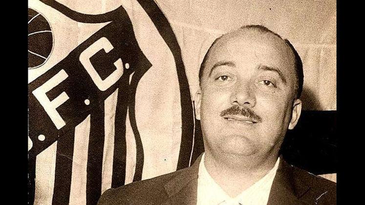Santos: Lula – O histórico treinador do Peixe esteve à frente do time entre 1954 e 1966. Foram 961 pelo time do litoral paulista.