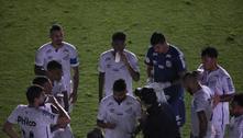 Santos e Corinthians é interrompido por queda de energia
