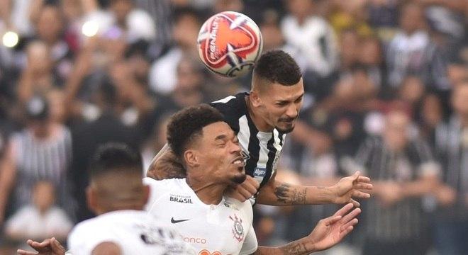 Santos e Corinthians duelam, nesta segunda, por vaga na final do Paulistão