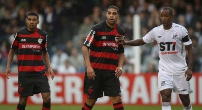 Flamengo venceu o Santos por 2 a 1, com gols de Adriano e Pará (contra) em 2009