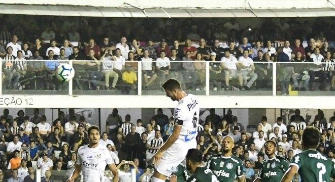 Gustavo Henrique cabeceou sozinho para abrir placar no Santos x Palmeiras
