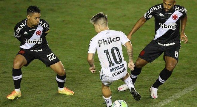 Santos e Vasco fizeram partida movimentada na Vila Belmiro nesta quarta-feira