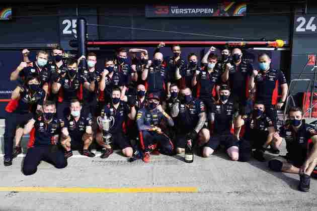 São 34 pódios na carreira de Verstappen. O primeiro na Inglaterra desde 2016
