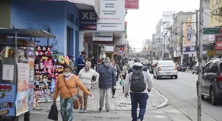 São Bernardo (SP) amplia horário dos comércios , suspende toque de recolher e retoma aulas