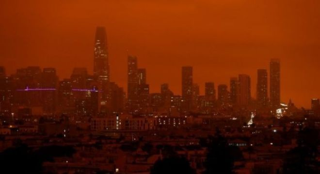 São Francisco, na Califórnia, foi uma das cidades mais afetadas pela chegada da fumaça dos incêndios que eclodiram em 28 pontos do Estado