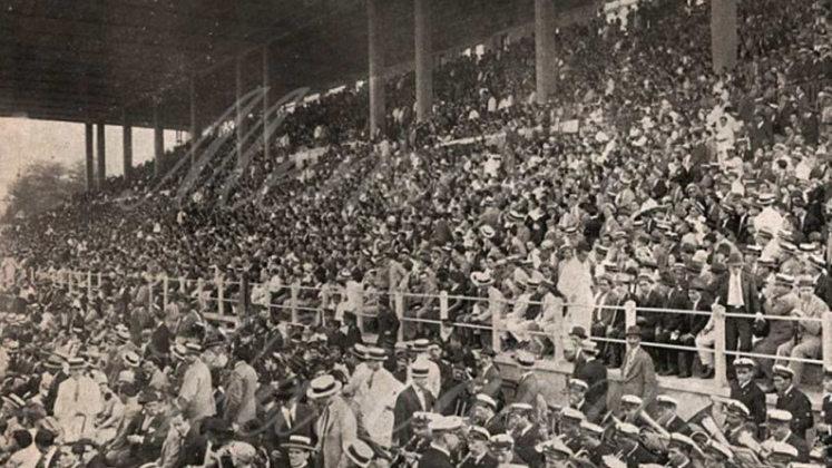 São Januário e o Carioca - Palco de final de Libertadores, o Estádio de São Januário teve seu sexto maior público no Carioca de 1949. Com direito a 34.009 torcedores, o Vasco venceu o Flamengo por 5 a 2 e caminhou a passos largos para seu oitavo título da competição na época