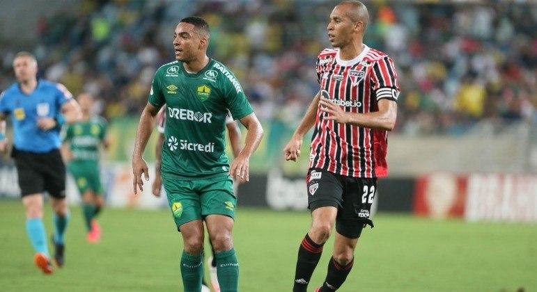 Miranda durante o confronto entre Cuiabá e São Paulo nesta segunda-feira (11)