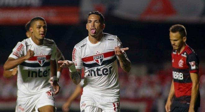 Luciano: atuação letal. Marcou dois gols, fundamentais, para a semifinal da Copa do Brasil