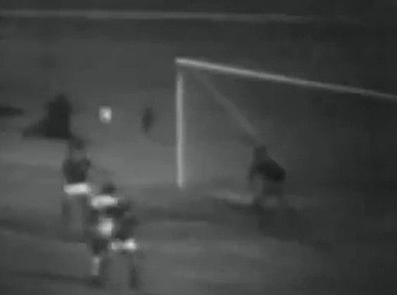 São Paulo 2 x 0 Palmeiras - Libertadores 1974: pelo grupo 2 da competição, Terto marcou os dois gols da vitória são-paulina sobre o Alviverde.
