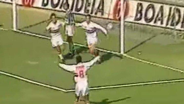 São Paulo 2 x 1 Palmeiras - Libertadores 1994: no jogo de volta das oitavas da Libertadores, Euller marcou duas vezes para o Tricolor e Evair descontou para o Verdão. São Paulo classificado.