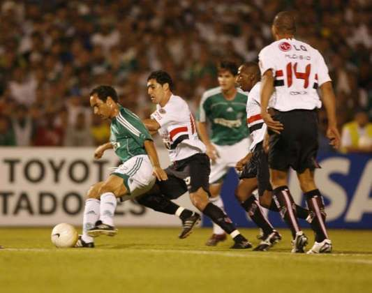 São Paulo 2 x 1 Palmeiras - Libertadores 2006: na volta das oitavas da Libertadores, vitória do São Paulo, com gols de Rogério Ceni e Aloísio. Washington fez para o Verdão. Tricolor classificado.