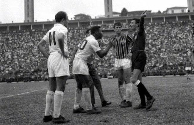 São Paulo 2 x 5 Santos (27/3/1968) - Paulistão