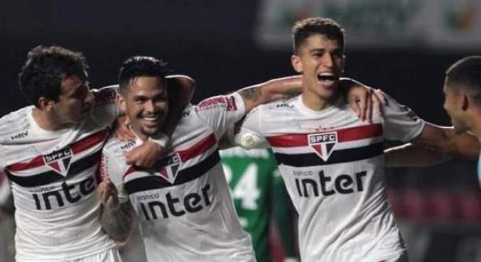 São Paulo saiu na frente, com gol de Luciano. E acreditou que o jogo estivesse ganho