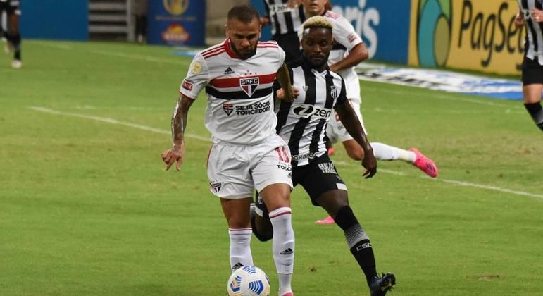 São Paulo sai atrás, busca empate contra o Ceará, mas segue na zona de rebaixamento