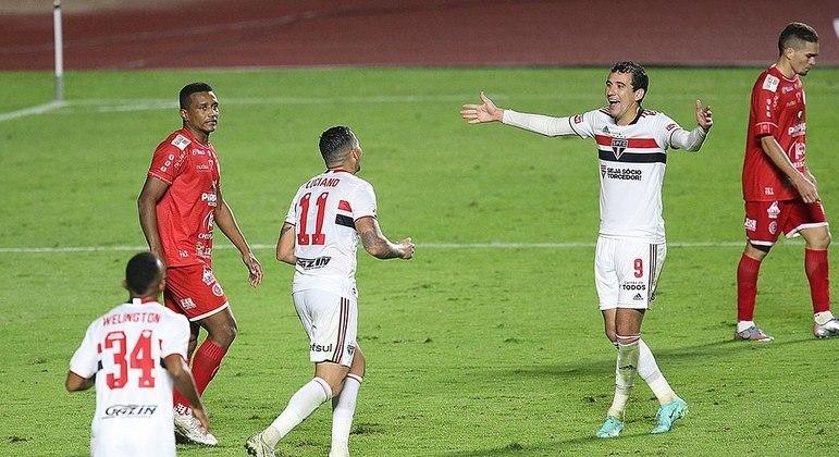 Goleada do São Paulo contra o 4 de Julho é a segunda maior da história no Morumbi
