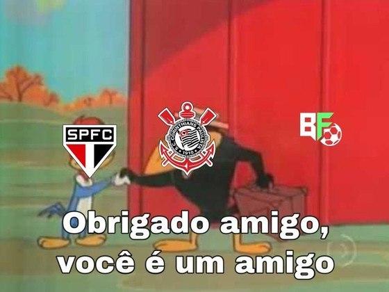 São Paulo derrotou o Guarani e resultado acabou ajudando o rival Corinthians, que garantiu vaga às quartas-de-final do Paulistão