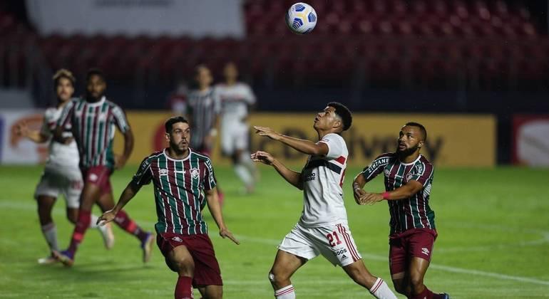 São Paulo e Fluminense empataram em 0 a 0 no Morumbi, na 1ª rodada do Brasileirão