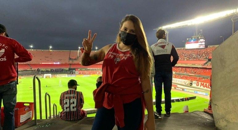Karoline voltou ao estádio nesta quinta-feira (7)