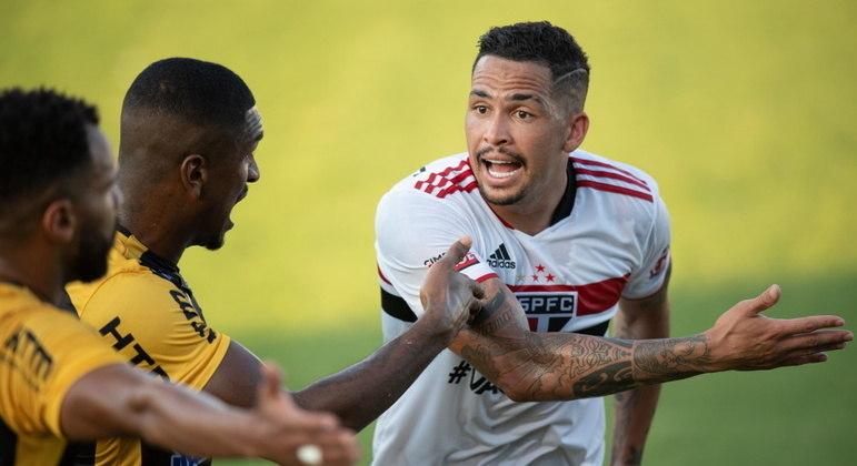 São Paulo tropeça fora de casa e perde para o Novorizontino; primeira derrota de Crespo
