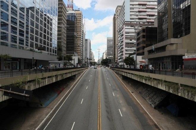 Veja São Paulo com ruas vazias no 1º dia de quarentena no Estado ...