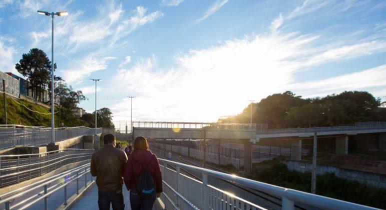 São Paulo recebe primeira estação de trem  sustentável