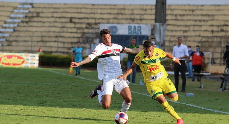 Já classificado, São Paulo poupou principais jogadores contra o Mirassol