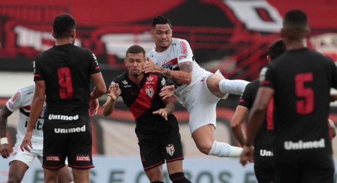 São Paulo ficou 10 pontos do 2º colocado e pode  perder vaga em fase de grupos