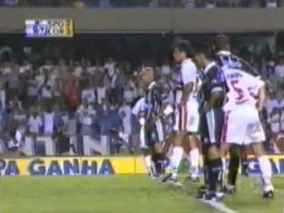 São Paulo x Corinthians - 1999: na semifinal do estadual daquele ano, o Tricolor saiu nas semis para o Corinthians. Foi goleado por 4 a 0 na ida e empatou a volta em 1 a 1.