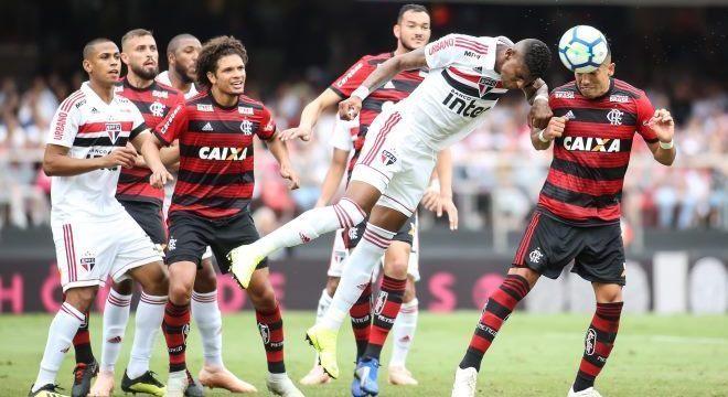 São Paulo e Flamengo fizeram jogo disputado neste domingo (4), no Morumbi