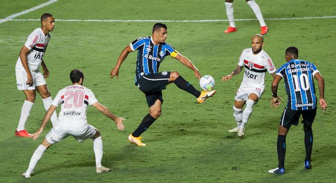 São Paulo sofreu com cautela do Grêmio no jogo de volta da semifinal da Copa do Brasil