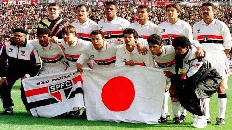 São Paulo x Milan - 1993 -Em 12 de dezembro de 1993, o São Paulo conquistou o bicampeonato mundial de clubes, comandado por Telê Santana, a equipe provou que o Brasil poderia estar novamente no topo quando todo mundo duvidava. O São Paulo dos mundiais do Japão se mostrou competente ao vencer times violentos e fechados da América do Sul na Libertadores. Na final do Mundial, derrotou o poderoso Milan por 3 a 2.