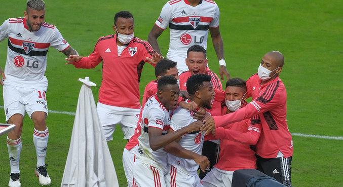 São Paulo vence Palmeiras por 2 a 0 e conquista o Paulistão 2021