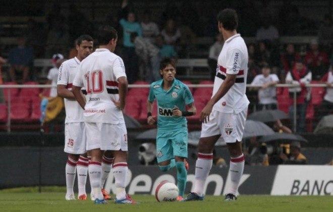 São Paulo x Santos - 2012: com show de Neymar no Morumbi, o Santos venceu novamente o São Paulo na semi do Paulistão. Vitória por 3 a 1.