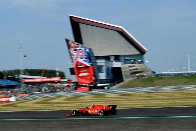 São três chegadas no top-5 em cinco corridas de 2020 para Leclerc