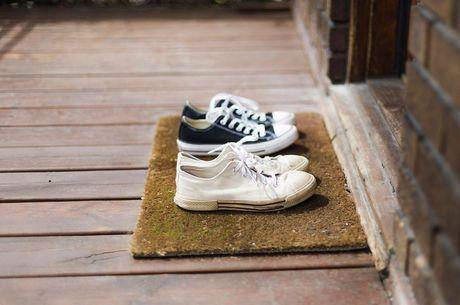 f9aa4ce1bd Sapatos dentro ou fora de casa? Saiba o que é melhor e decida - R7 ...
